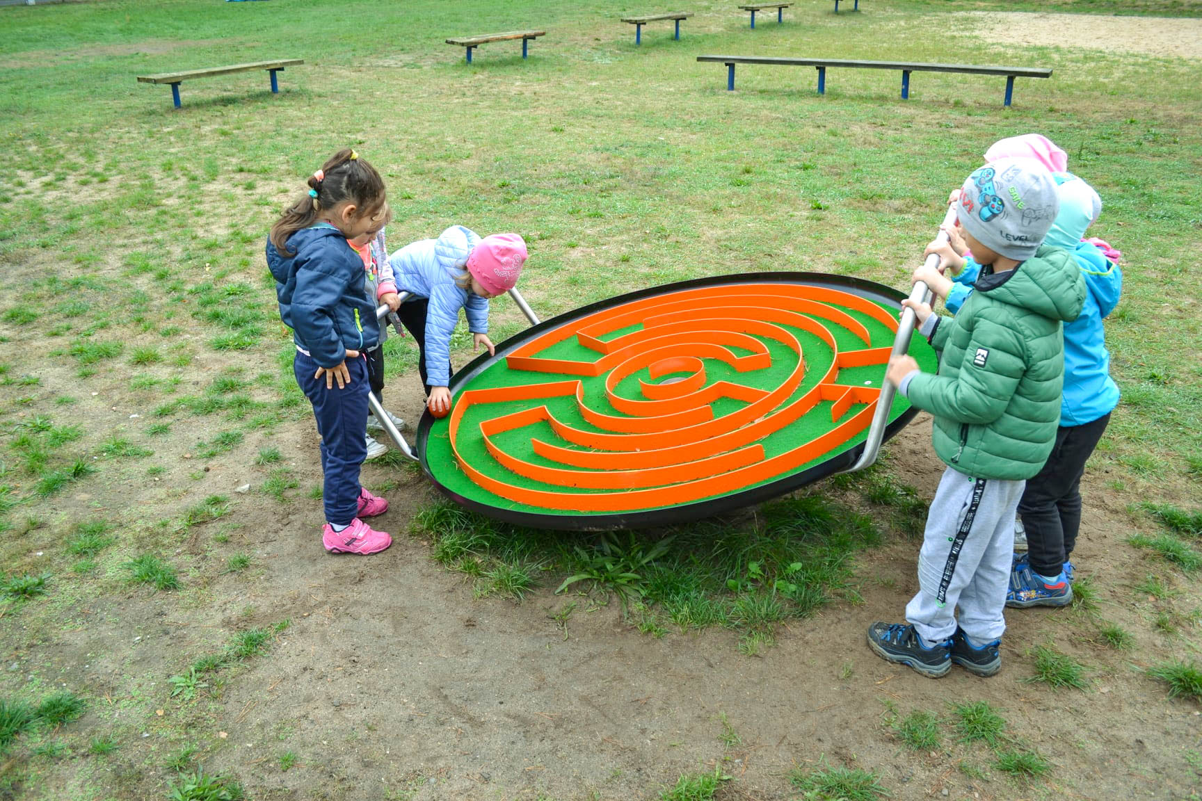 zabawy w parku rozrywki